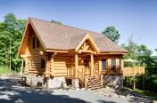 Maison de bois rond scandinave