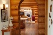 Vestibule de maison en bois rond