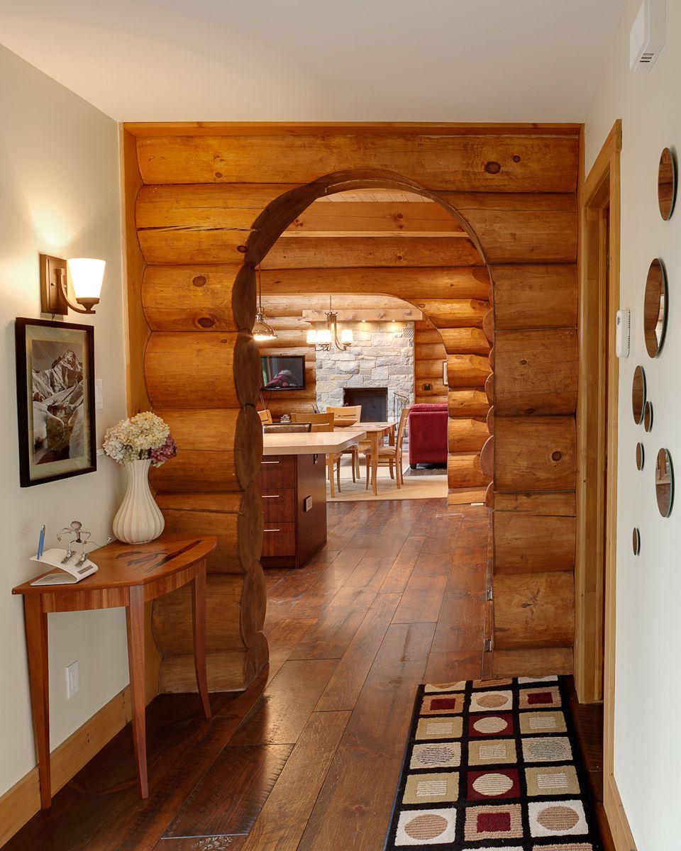 Arche D'entrée Dans Une Maison De Bois Rond