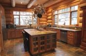 Cuisine rustique dans un maison en bois rond