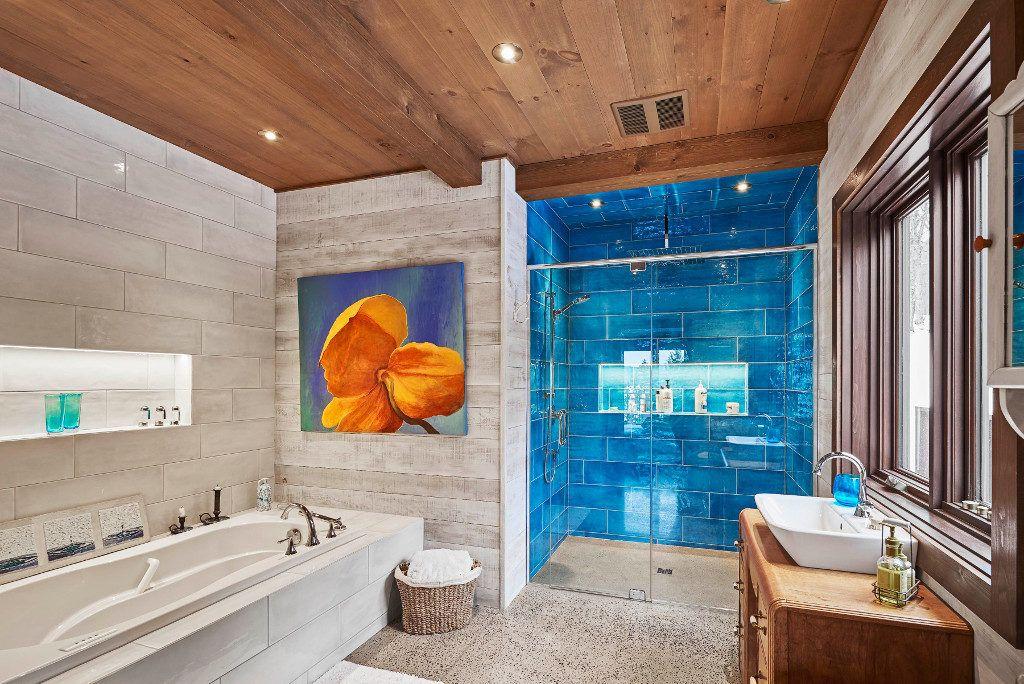 Timber Frame Home - Bathroom