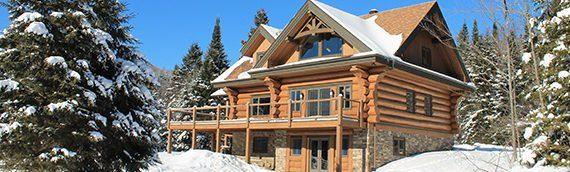 Quatre conseils pour profiter de l'hiver dans votre maison de bois rond